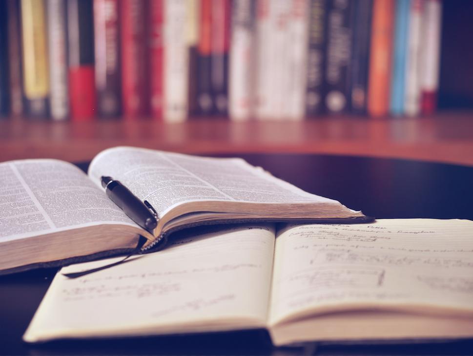 英語で情報収集するための参考書【中級編】